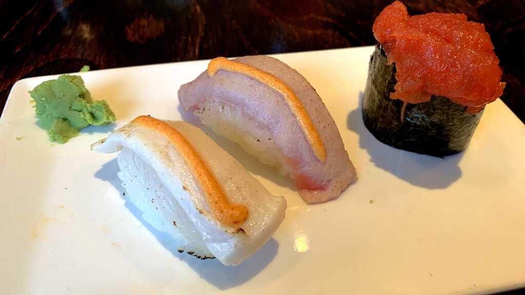 Geflämmtes Nigiri Butterfisch & Thun | Spicy Tuna Gunkan
