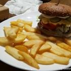 Foto zu Hermanns Burger: Cheeseburger