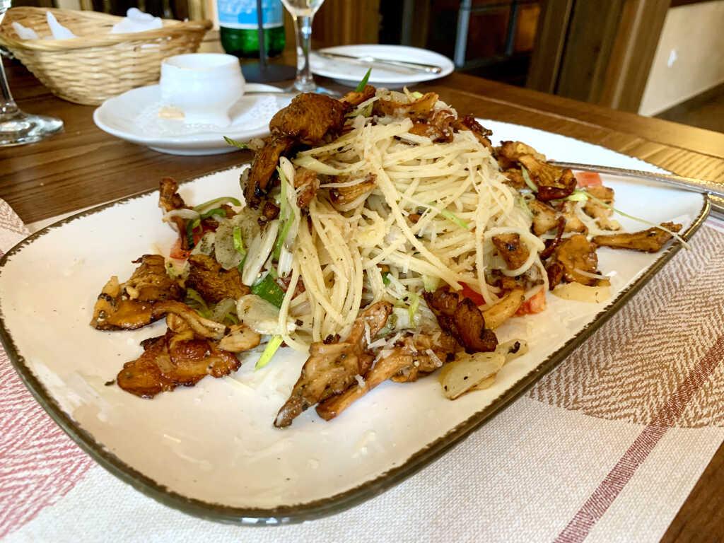 Spaghetti mit frischen Pfifferlingen