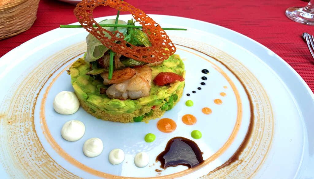 Gambas mit Couscous und Avocado