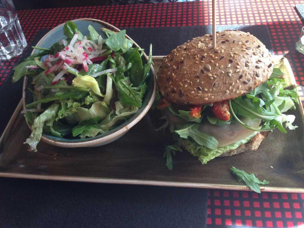 Vegetarischer Burger Rotbäckchen