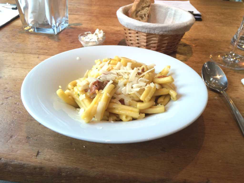 Pasta Carbonara mit Eigelb
