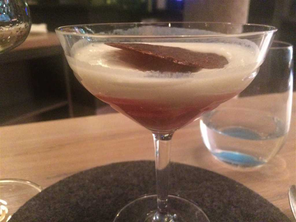 Rhabarber Vermouth Sour / Buttermilch / Dulce de Leche