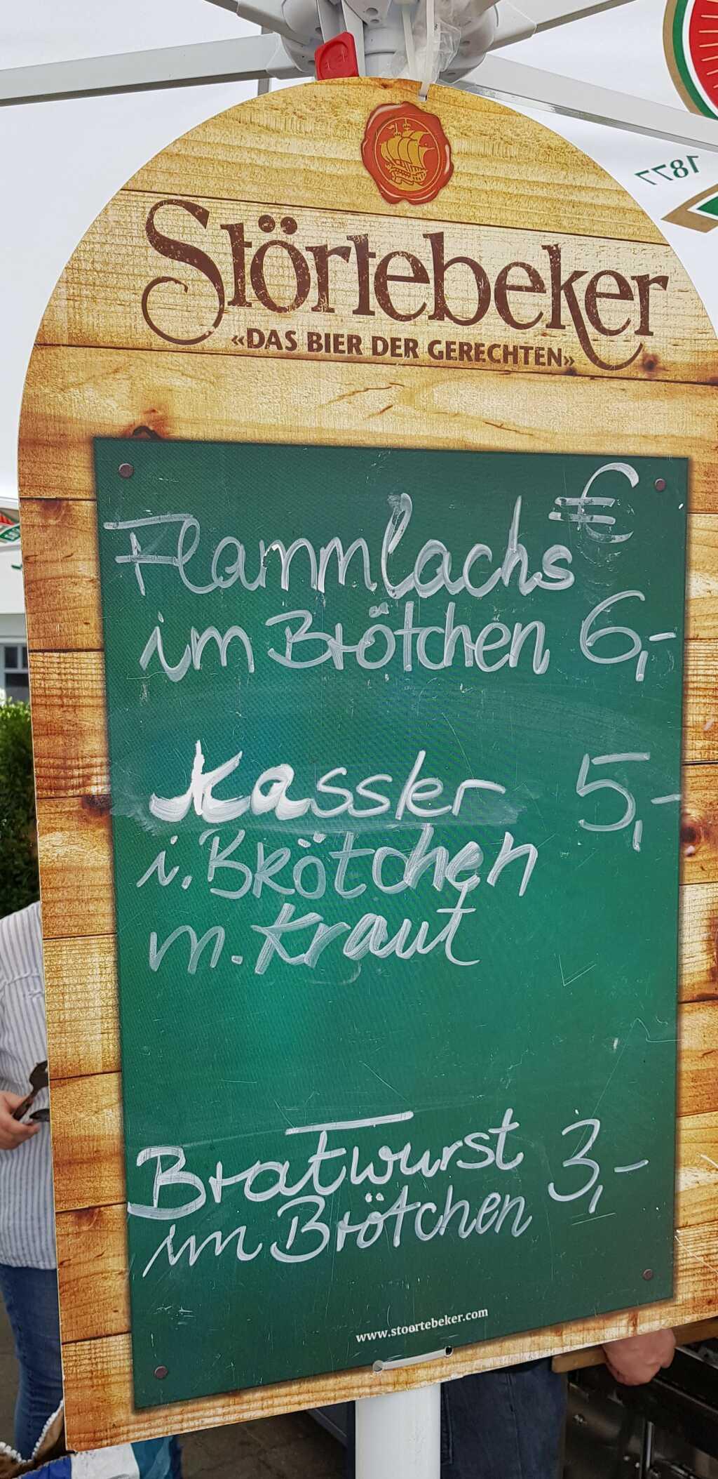 Pfingstfest-Straßenverkauf