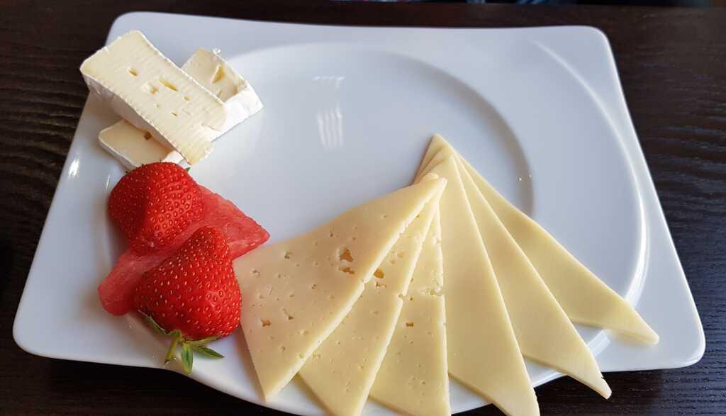 Bäckerfrühstück, auf Wunsch nur Käse