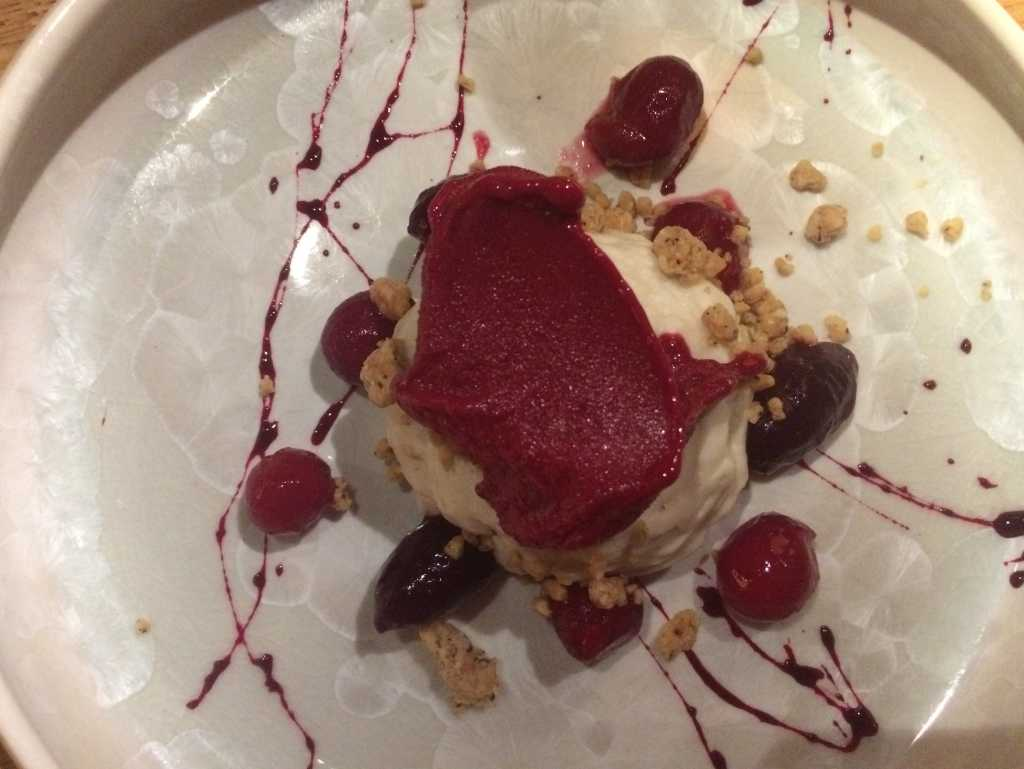Rote Bete : Tofu : Cranberry : Haselnuss