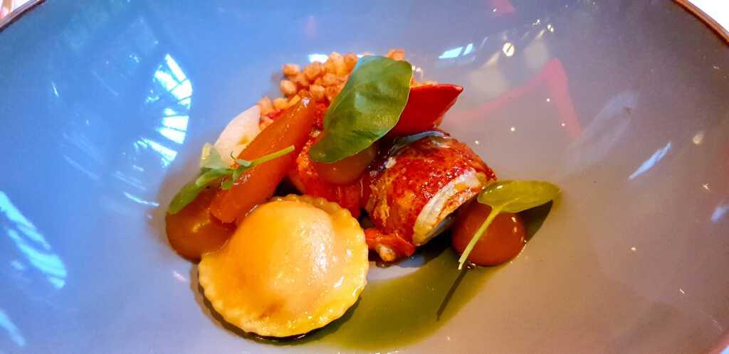 Hummer glasiert Kartoffel Lauch Aprikose