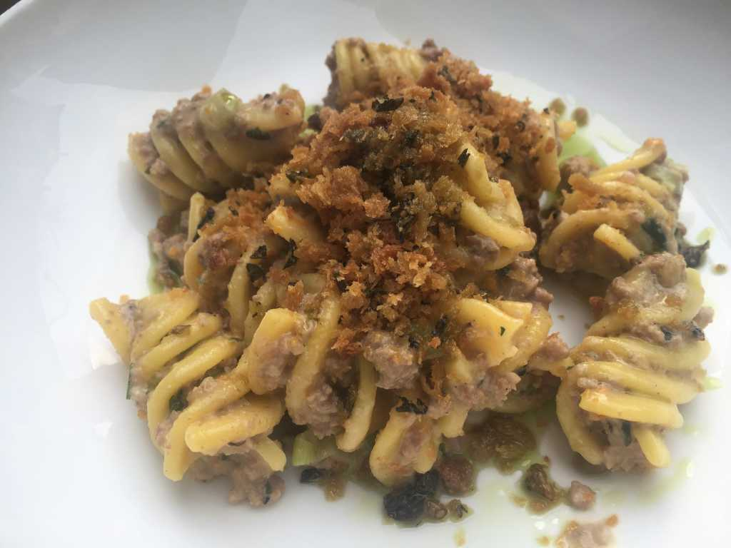Fussilloni / weiße Kalbsbolognese