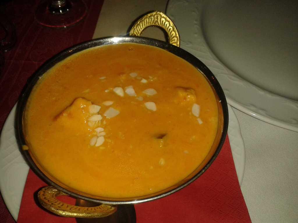 Mango Chicken - Hähnchenfleisch in Curry-Mango-Sahnesoße für 8,50 €