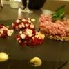 Rinderhäckerle mit Apfel-Beete-Salat
