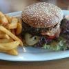 250 Gramm Ruderhaus Burger mit Pommes