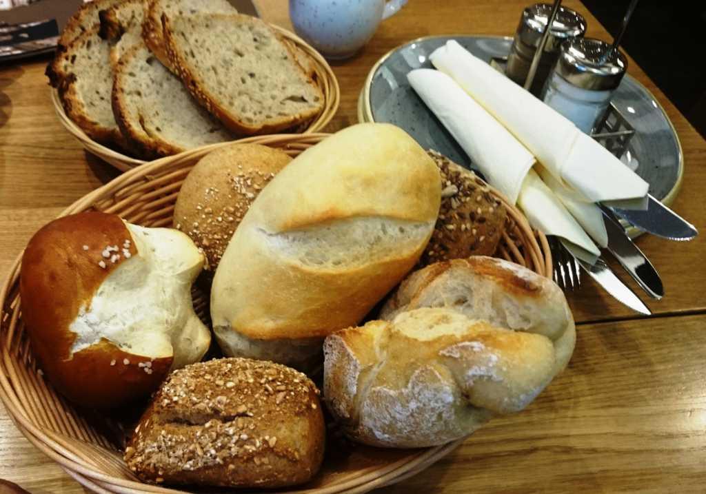Wecklesmischung und Brot