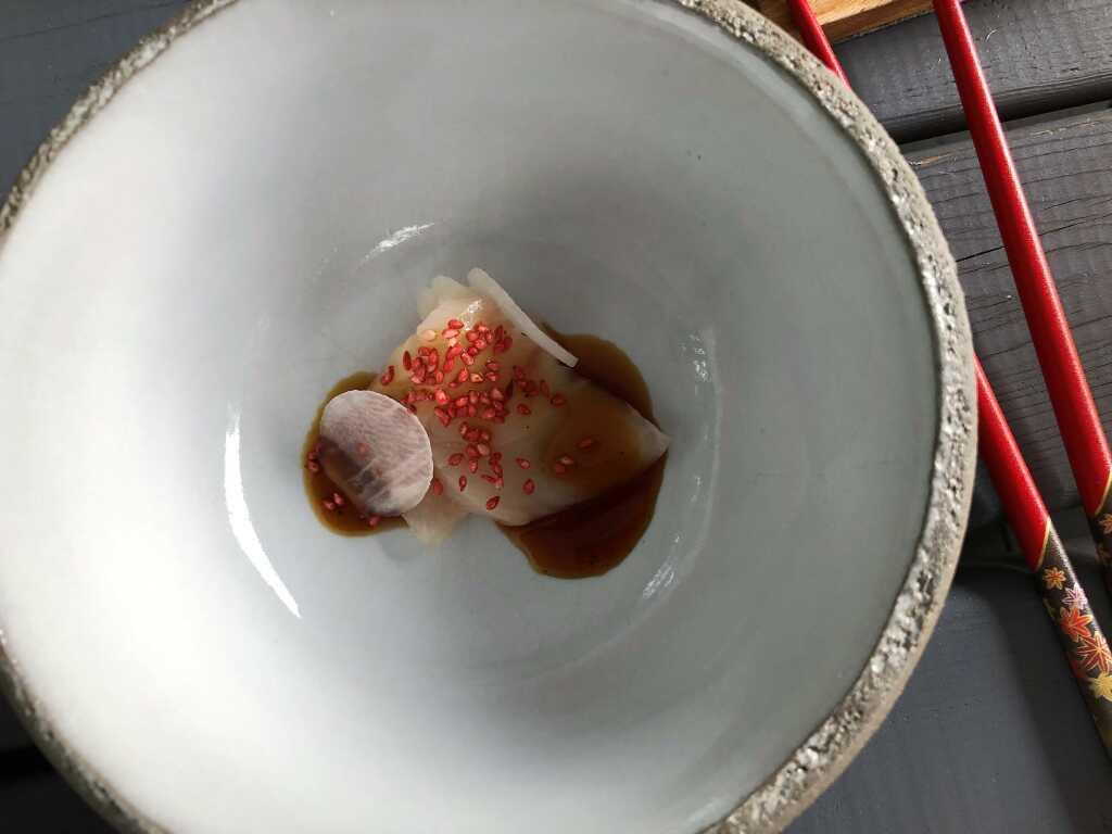 Amuse Bouche: Sashimi von der Gelbschwanzmakrele