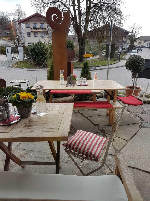 Tische draußen