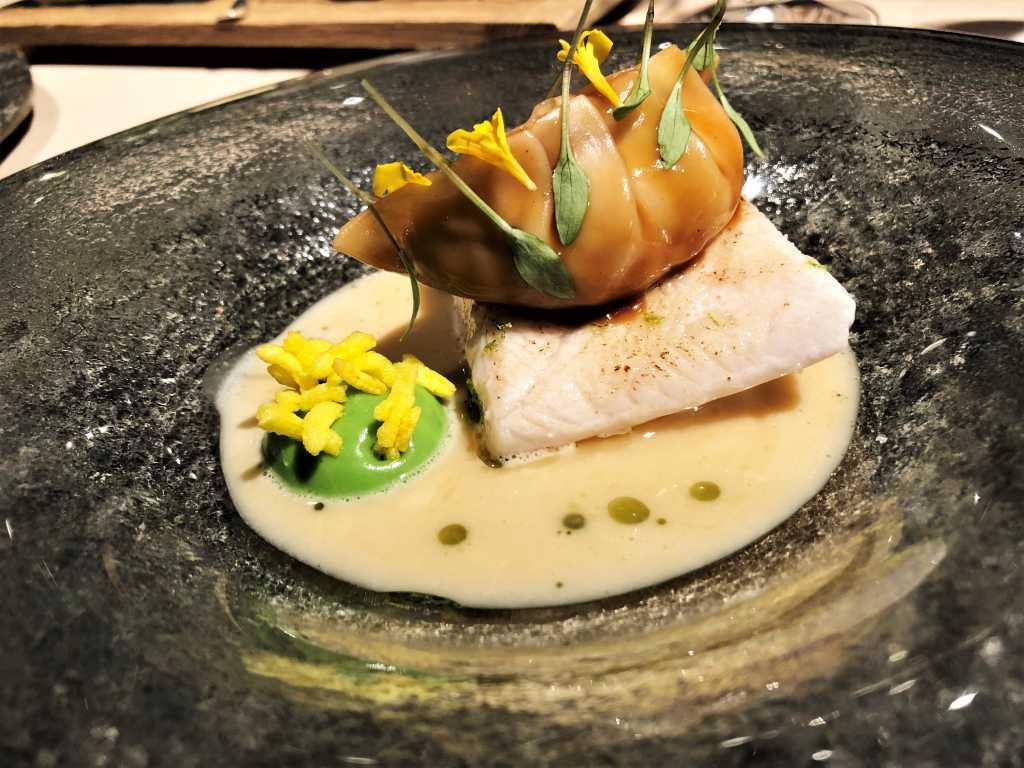 Hiramasa Kingfish, Thaicurry, Galgant, Kokos, Tamarinde & Garnelen Dim Sum