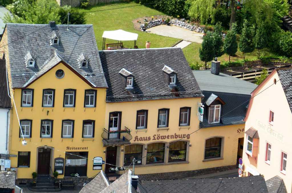 Burgblick zum Restaurant. gezoomt