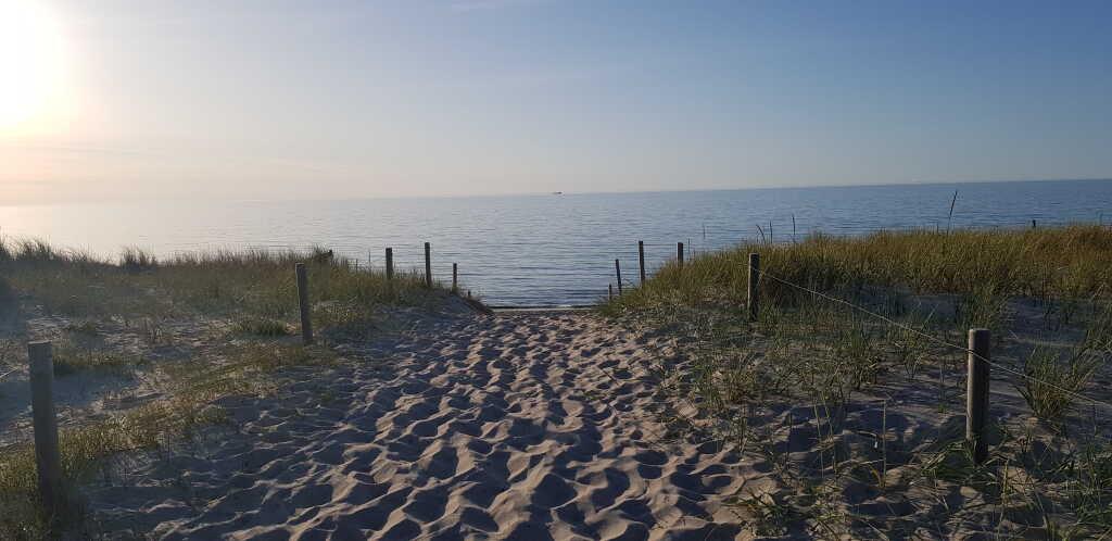 Die Trennung zwischen Meer und Restaurant Boje