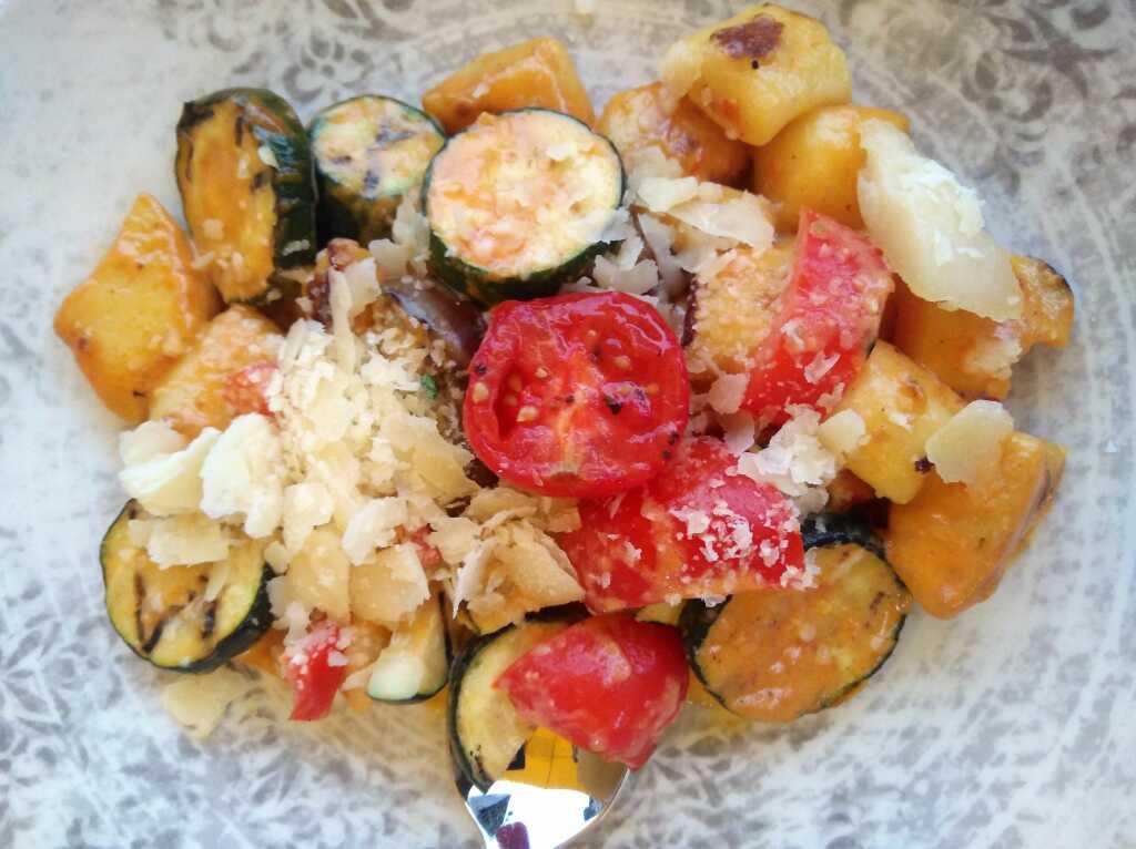 Kartoffelgnocchi mit mediterranem Gemüse