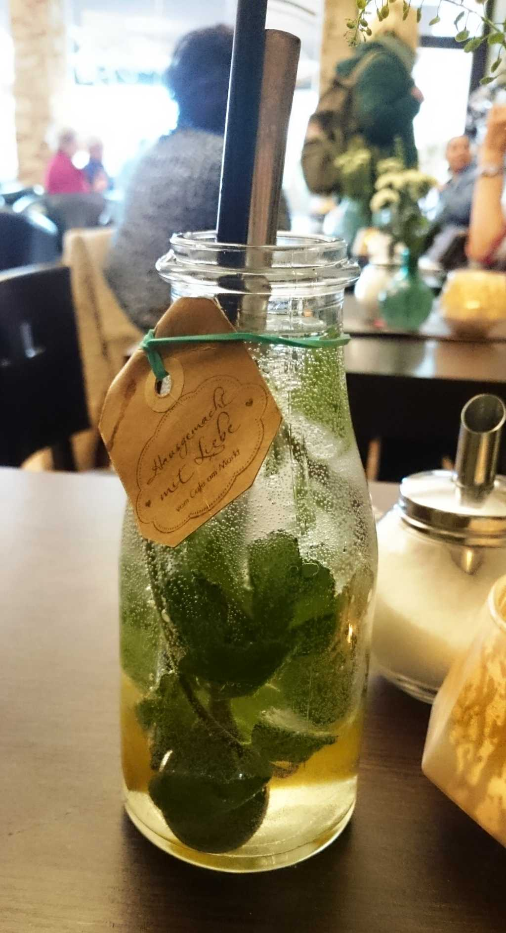 Hausgemachte Limetten-Ingwer-Limonade