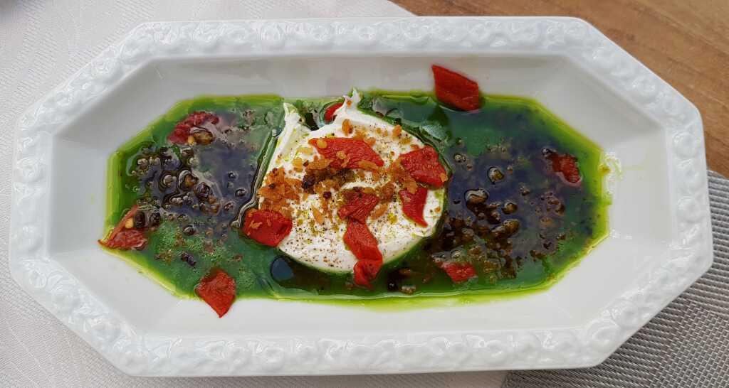 Burrata - Erbsensaft - Bärlauchöl