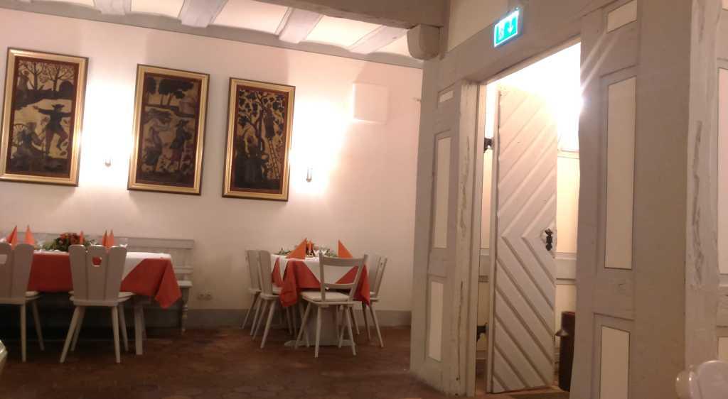 Goldener Hirsch - vorderer Gastraum