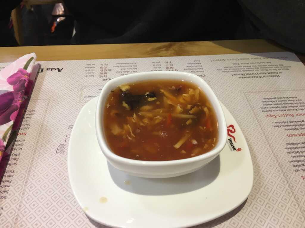 Suppe vom Büffet