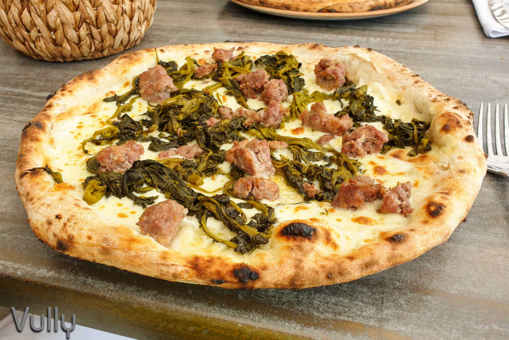 Pizza Speciali - Salciccia e frarielli