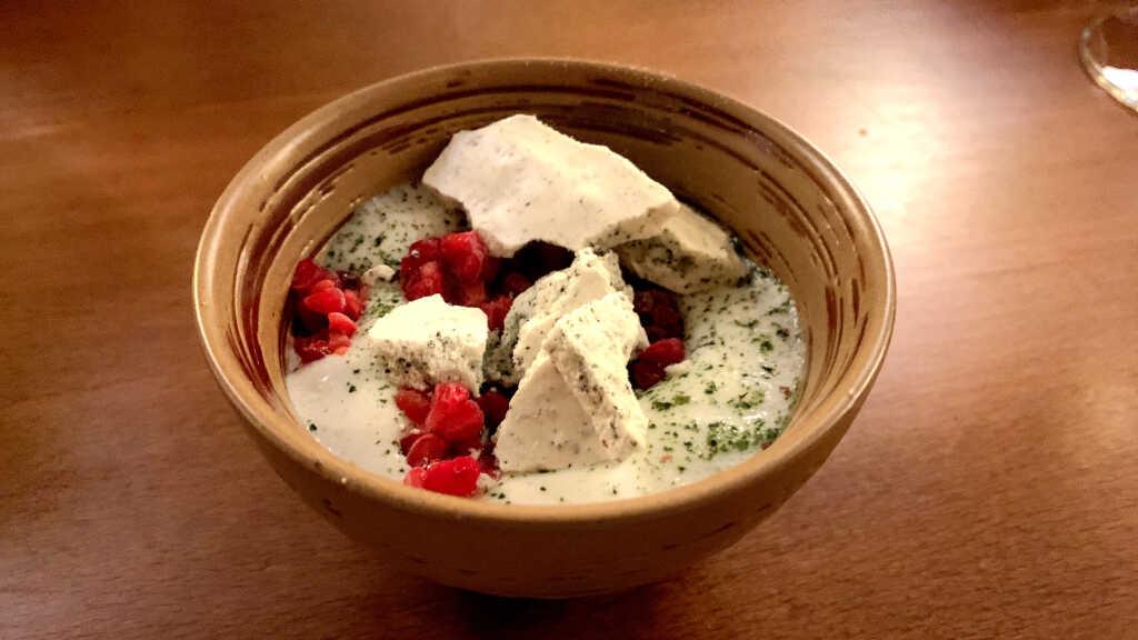 Eukaylyptus Schaum | Himbeer-Paprika Sorbet | Himbeer Crunch | Algen-Baiser