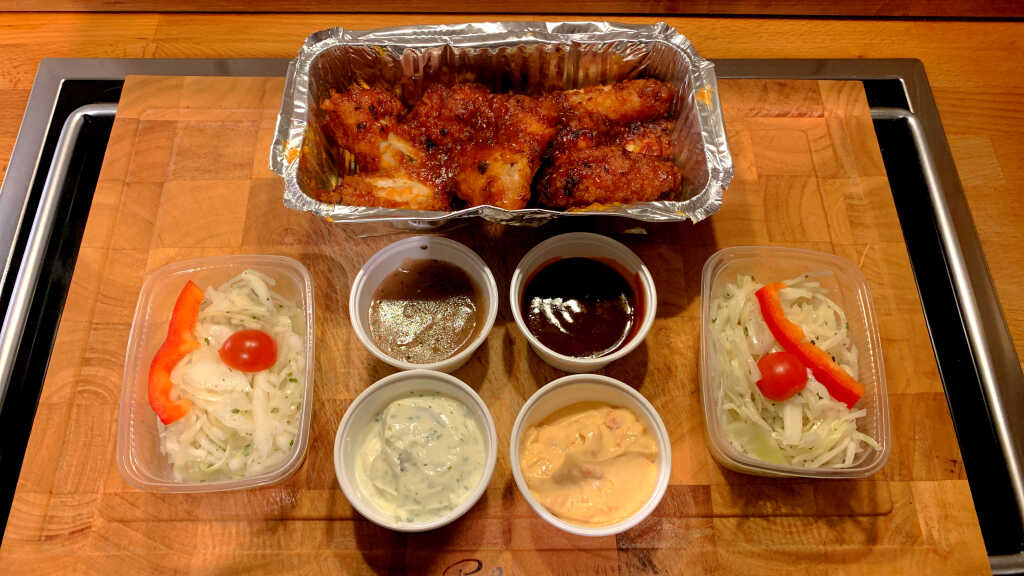 Buffalo Wings | Krautsalate | Dips