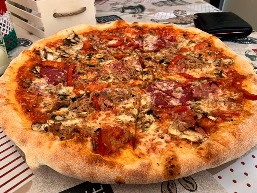 Pizza Mista - 8€