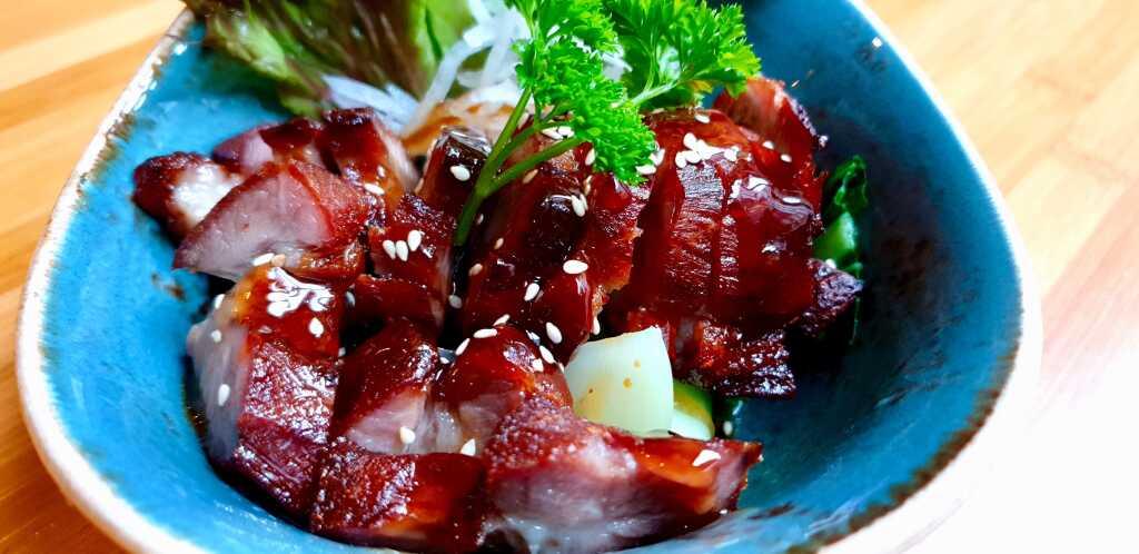 Schweinefleisch mit BBQ-Lack