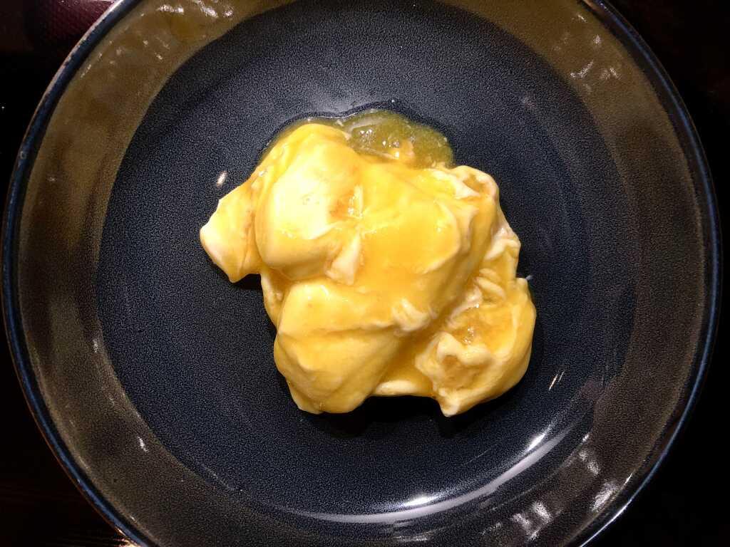 Käsekuchencreme, Keksboden und Passionsfruchtcoulis