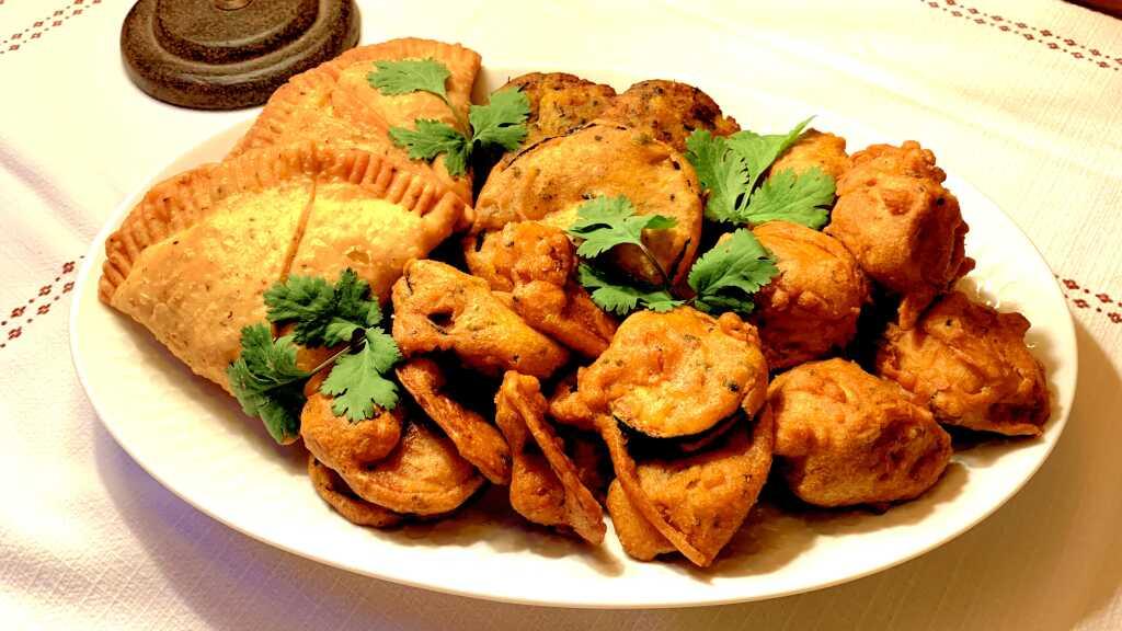 Starter Mix Teller & Chicken Pakora (rechte Seite)