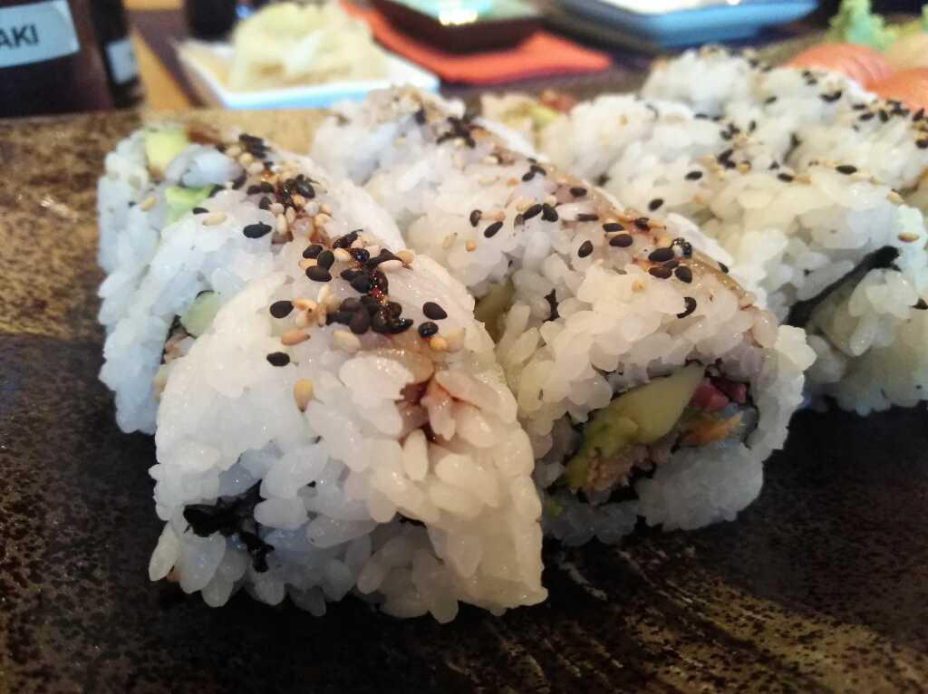 Teriyaki Sake Roll (mit gebratenem Lachs)