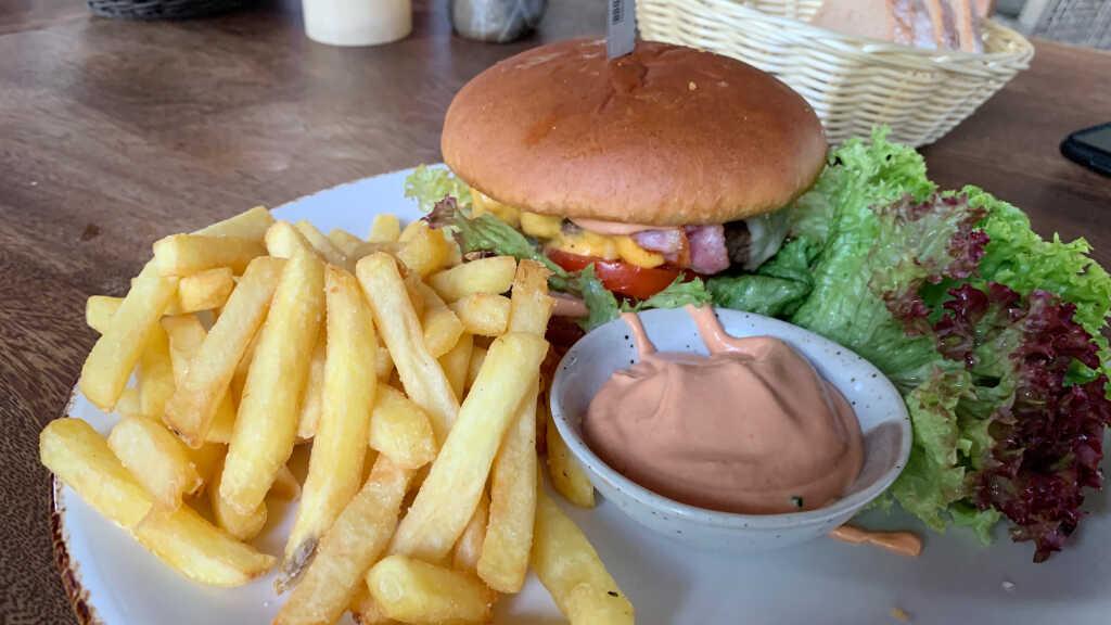 Kandahar Burger