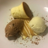 Topfen-Soufflée mit Quittensauce / Schokoladen-Lebkuchen-Mousse / Vanilleeis