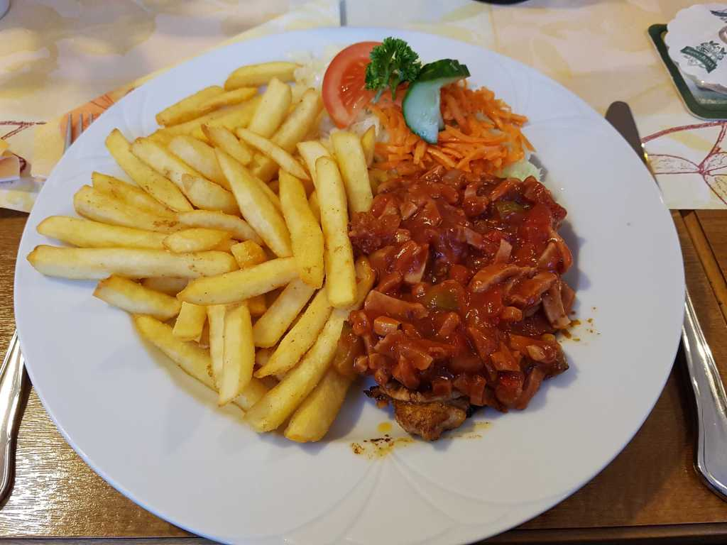 Zigeunersteak mit Pommes Frites für 9,70 €