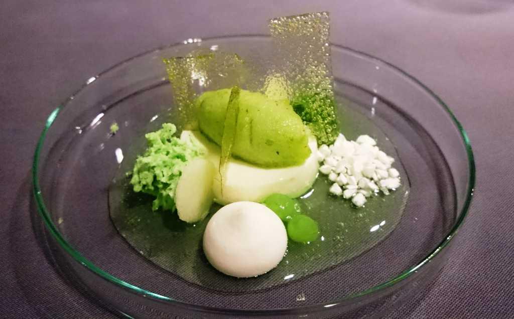 Pre-Dessert: Grüner Apfel, Joghurt und Koriander