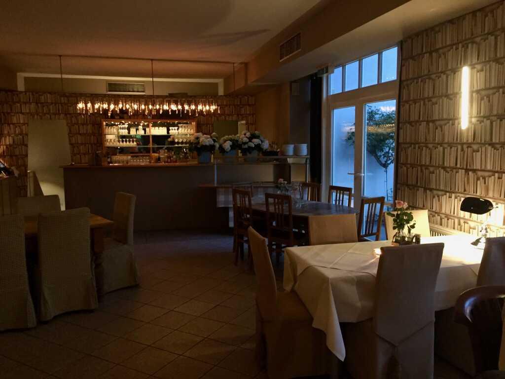 Restaurant – Blick zum Tresen