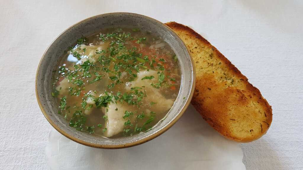 Klare Fischsuppe