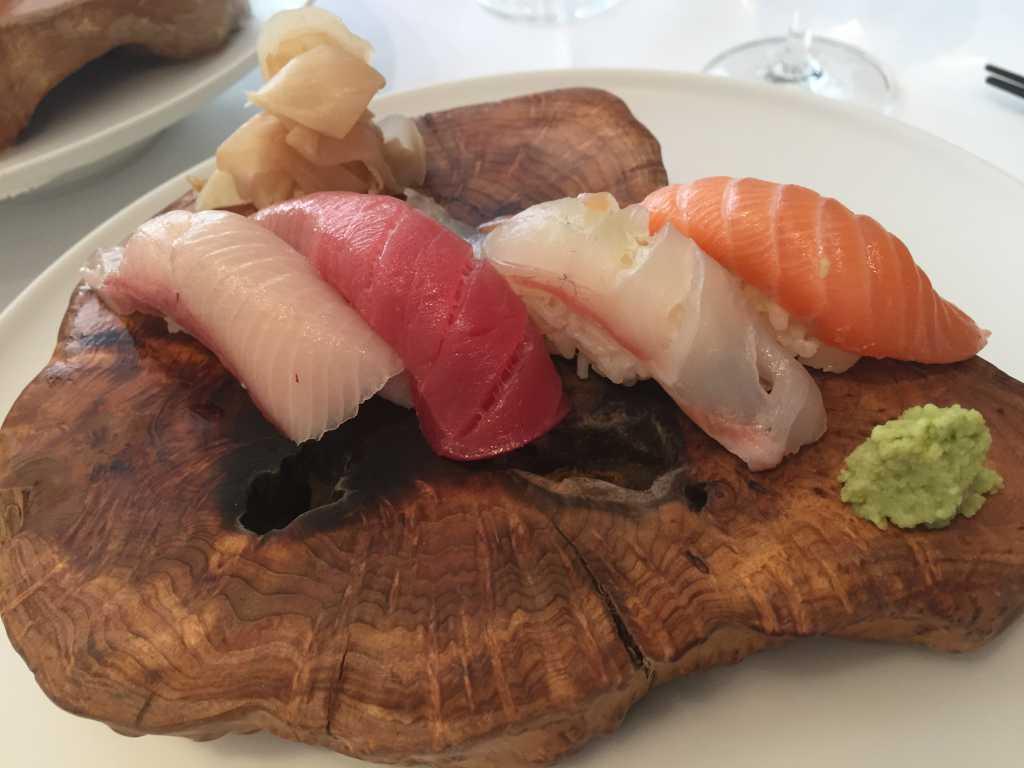 Sushi (Schottischer Lachs, Dorade, Thunfischbauch, Gelbflossenmakrele)