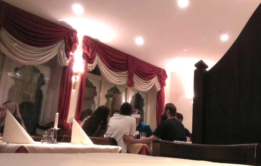 Bollywood Gastraum