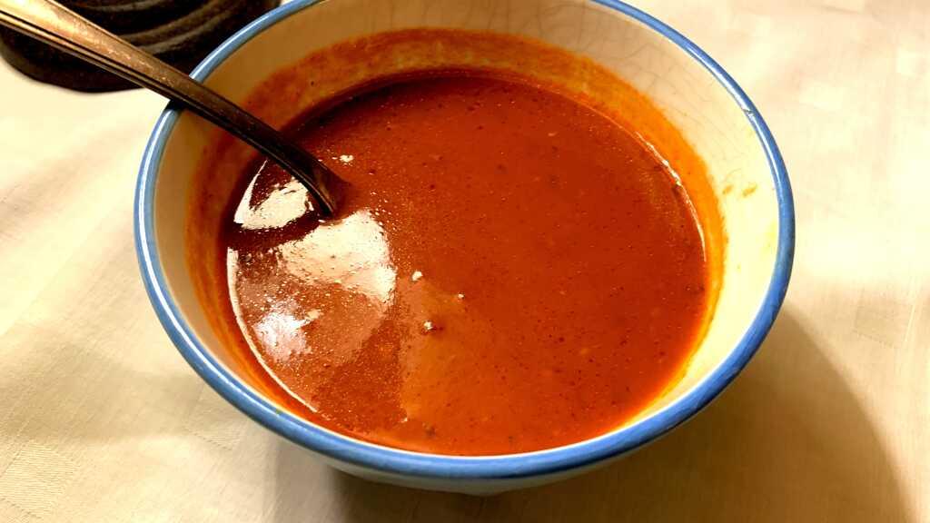 Tomaten-Knoblauch-Sauce für die Kritharaki