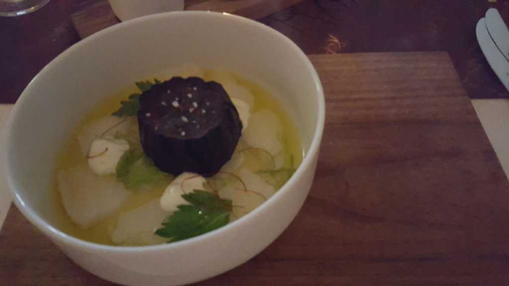 marinierter Seeteufel / Aubergine / Wasabi