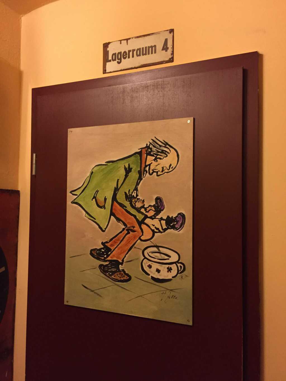 Eingang zur Herrentoilette