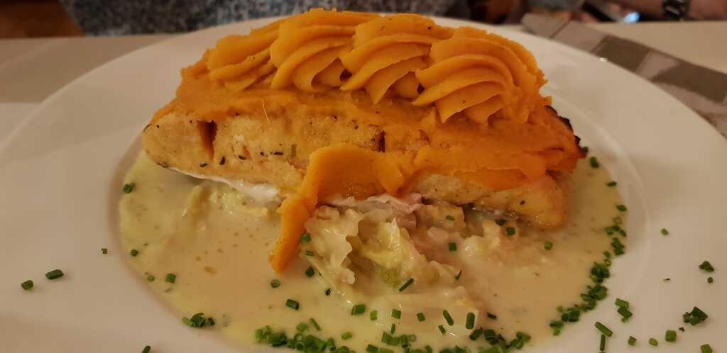 Lachsfilet unter Süßkartoffelhaube