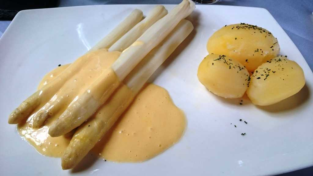 Spargel, Salzkartoffeln, Hollandaise